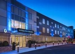 Hotel Zero Degrees Norwalk - Norwalk - Budynek