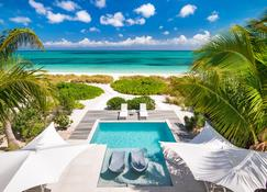 Grace Bay Club - Providenciales - Pool
