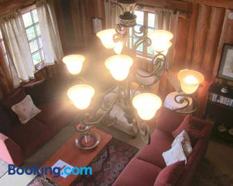 Willowbrooke Cottage - Himeville - Living room