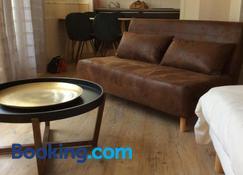 Les studios vue mer Le Matlo - Dinard - Living room