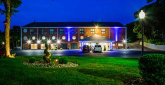 Best Western Cape Cod Hotel - Hyannis - Building