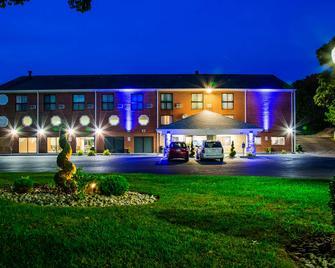 Best Western Cape Cod Hotel - Hyannis - Edificio