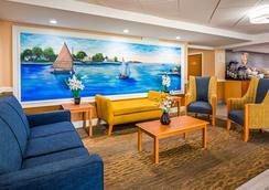 Best Western Cape Cod Hotel - Хайянис - Лобби