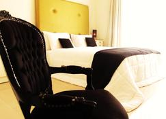 The Aknac Hotel - Accra - Schlafzimmer