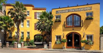 Andrew Pinckney Inn - Charleston - Building