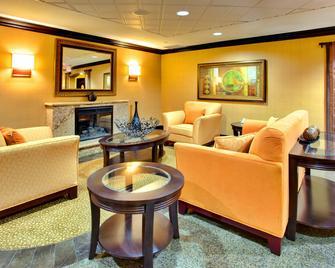 Holiday Inn La Mesa, An IHG Hotel - La Mesa - Obývací pokoj