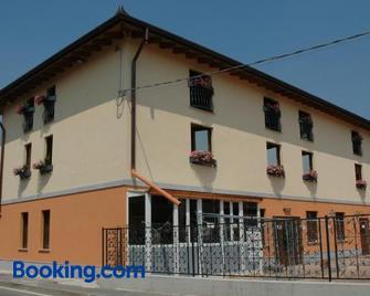 Hotel Il Borghetto - Romano di Lombardia - Gebäude
