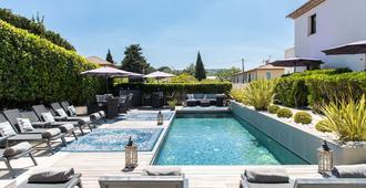 هوتل لو موندالا - سان-تروبيه - حوض السباحة