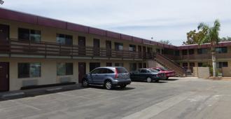 Red Roof Inn Bakersfield - Bakersfield - Building
