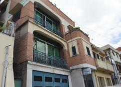 Tana-Jacaranda - Hostel - Antananarivo - Gebouw
