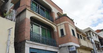 Tana-Jacaranda - Hostel - Antananarivo - Edificio
