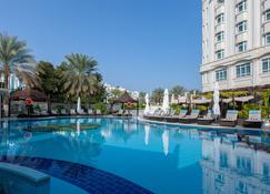 Radisson Blu Hotel, Muscat - Mascate - Piscina