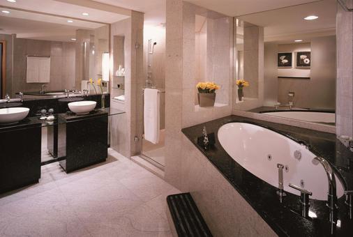 迪拜香格里拉大酒店 - 杜拜 - 浴室