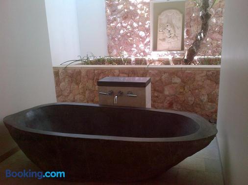 Villa Bukit Segara - Abang - Bathroom
