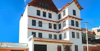 Churup Guest House - Huaraz - Building