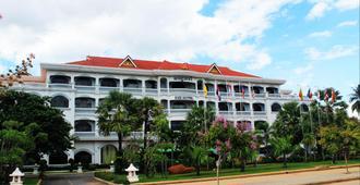 REE Hotel - Siem Reap