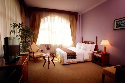 REE Hotel - Siem Reap - Bedroom