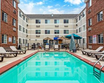MainStay Suites Greenville Airport - Greer - Bazén
