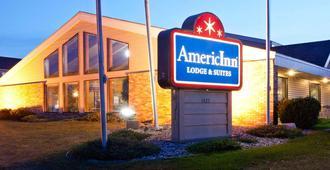 AmericInn by Wyndham Fargo West Acres - Fargo - Bâtiment