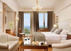 โรงแรมวิลล่ากอร์ติเนพาเลซ - เซียมิโอเน - ห้องนอน