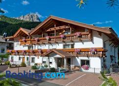 Residence Villa Gran Baita - Selva di Val Gardena - Building