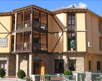 Hotel Valle Del Jerte Los Arenales - Jerte - Edificio
