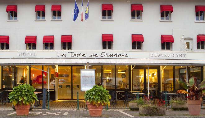 La Table de Gustave - Ornans - Building