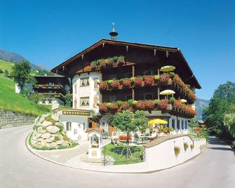 Hotel Kirchbichlhof - Hippach - Building