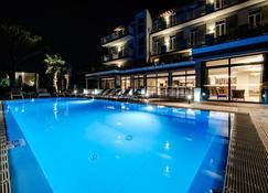 Hotel Palazzo Del Garda & Spa - Desenzano del Garda - Pool
