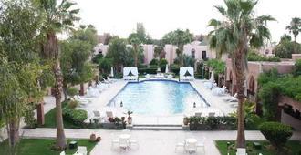Hotel Karam Palace - אוארזאזטה