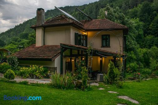 Vila Verbena - Apriltsi (Lovech) - Gebäude