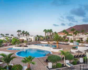 Jardines del Sol by Diamond Resorts - Плайя-Бланка - Бассейн