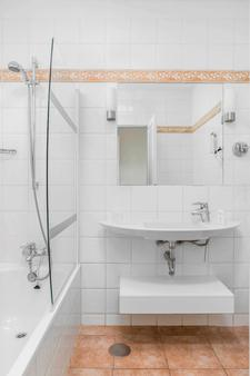 太陽花園酒店 - 雅伊薩 - 普拉亞布蘭卡 - 浴室