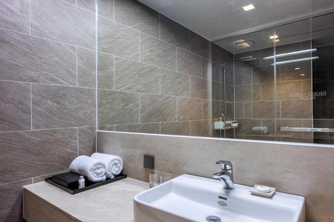 海景藍麗酒店 - 濟州 - 浴室