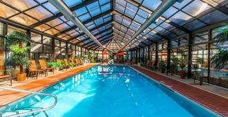 Comfort Inn & Suites - Erie - Pool
