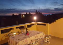 安娜&伊達公寓酒店 - 諾瓦利婭 - 陽台