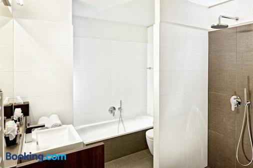 Alpen Karawanserai Time Design Hotel - Hinterglemm - Bathroom