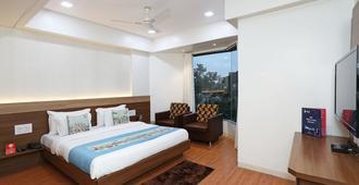 Oyo 10672 Hotel Riviera - Nasik