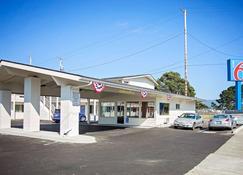 Motel 6 Crescent City - Ca - Crescent City - Rakennus