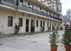 Hotel 7 - Batum - Edificio