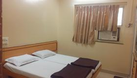 Milan Guest House - Mumbai - Bedroom