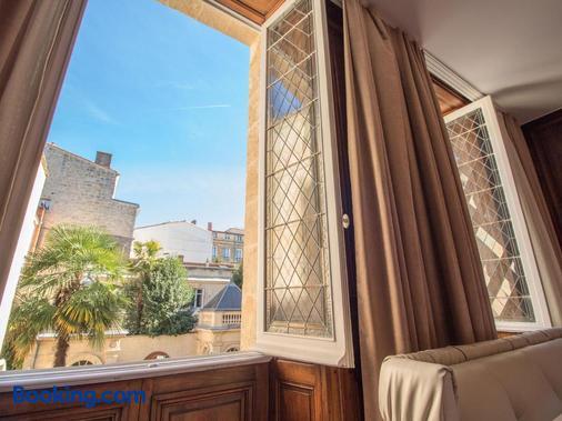 Hôtel Des Quinconces - Bordeaux - Balcony