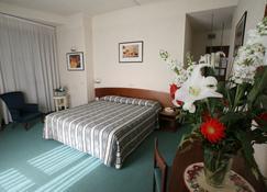Hotel Columbus - Florence - Bedroom