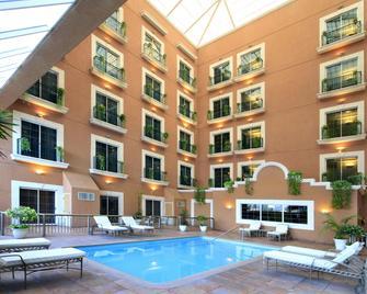 iStay Hotel Ciudad Victoria - Ciudad Victoria - Gebouw