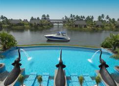 The Zuri Kumarakom Kerala Resort & Spa - Kumarakom - Pool