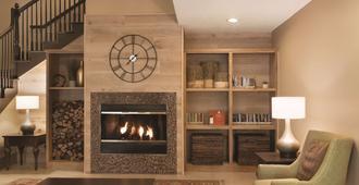 Country Inn & Suites by Radisson, Indy Air South - אינדיאנאפוליס - טרקלין