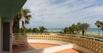 Broadmore Miami Beach - מיאמי ביץ' - מרפסת