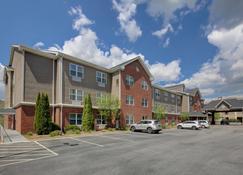 Country Inn & Suites by Radisson, Boone, NC - Boone - Κτίριο