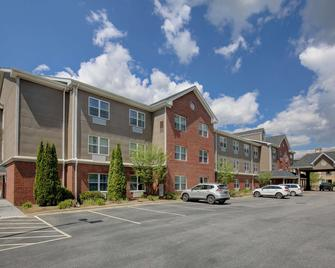 Country Inn & Suites by Radisson, Boone, NC - Boone - Building