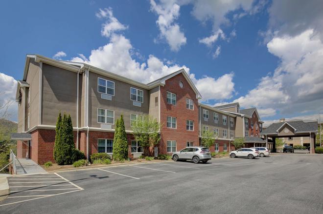 Country Inn & Suites by Radisson, Boone, NC - Boone - Edificio